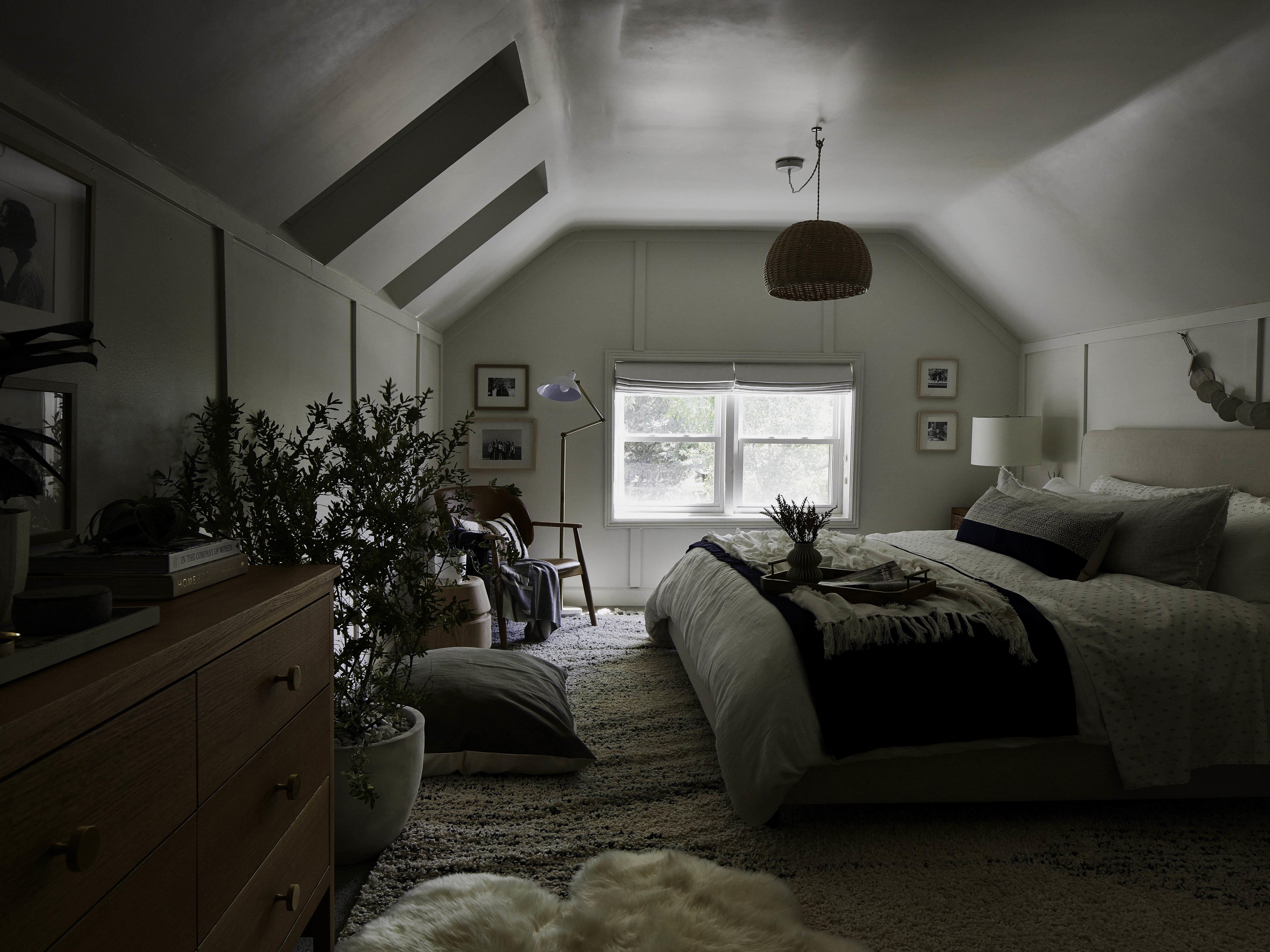 Darkened-bedroom.jpg#asset:6021