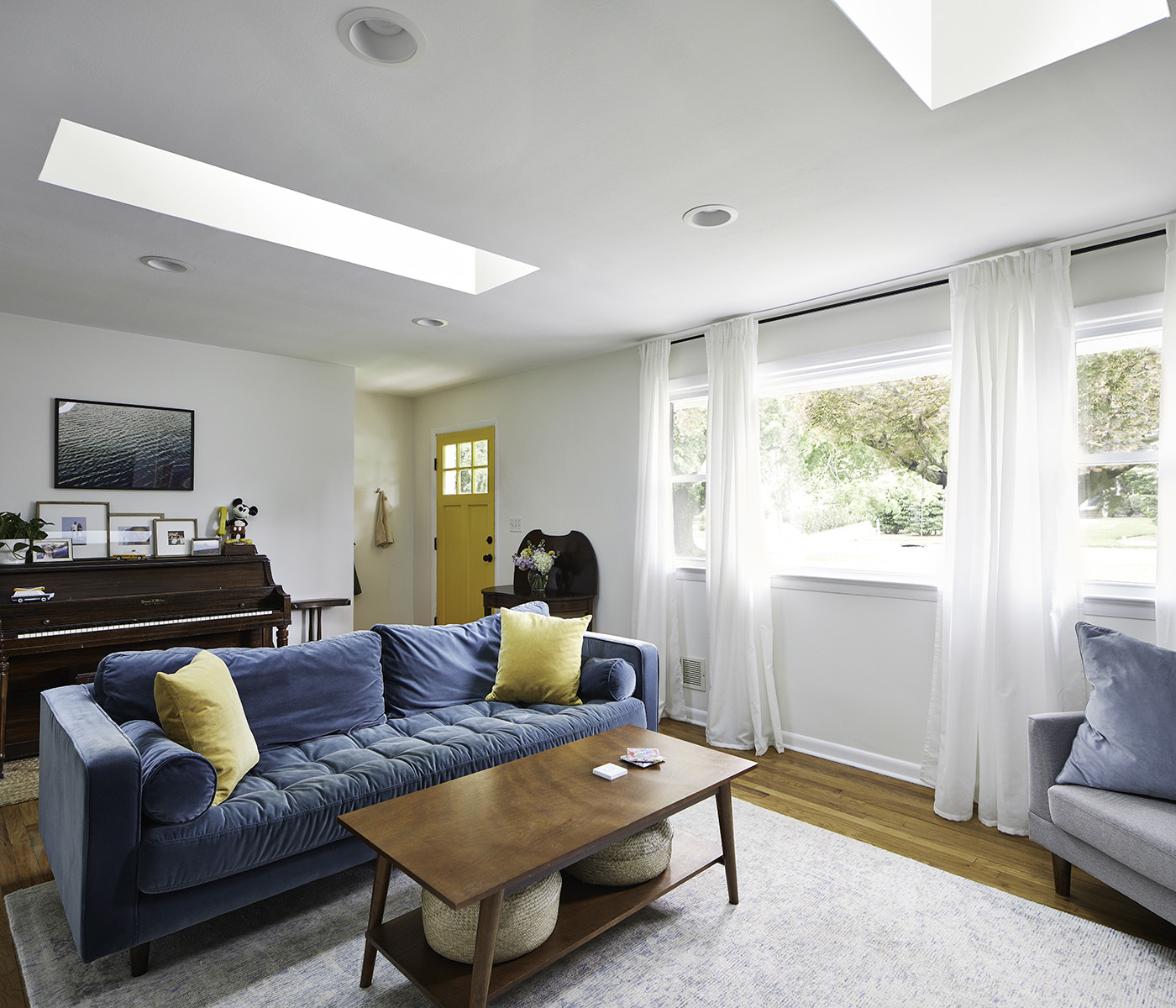 Living-room-wide-yellow-door-feat.jpg#asset:4154