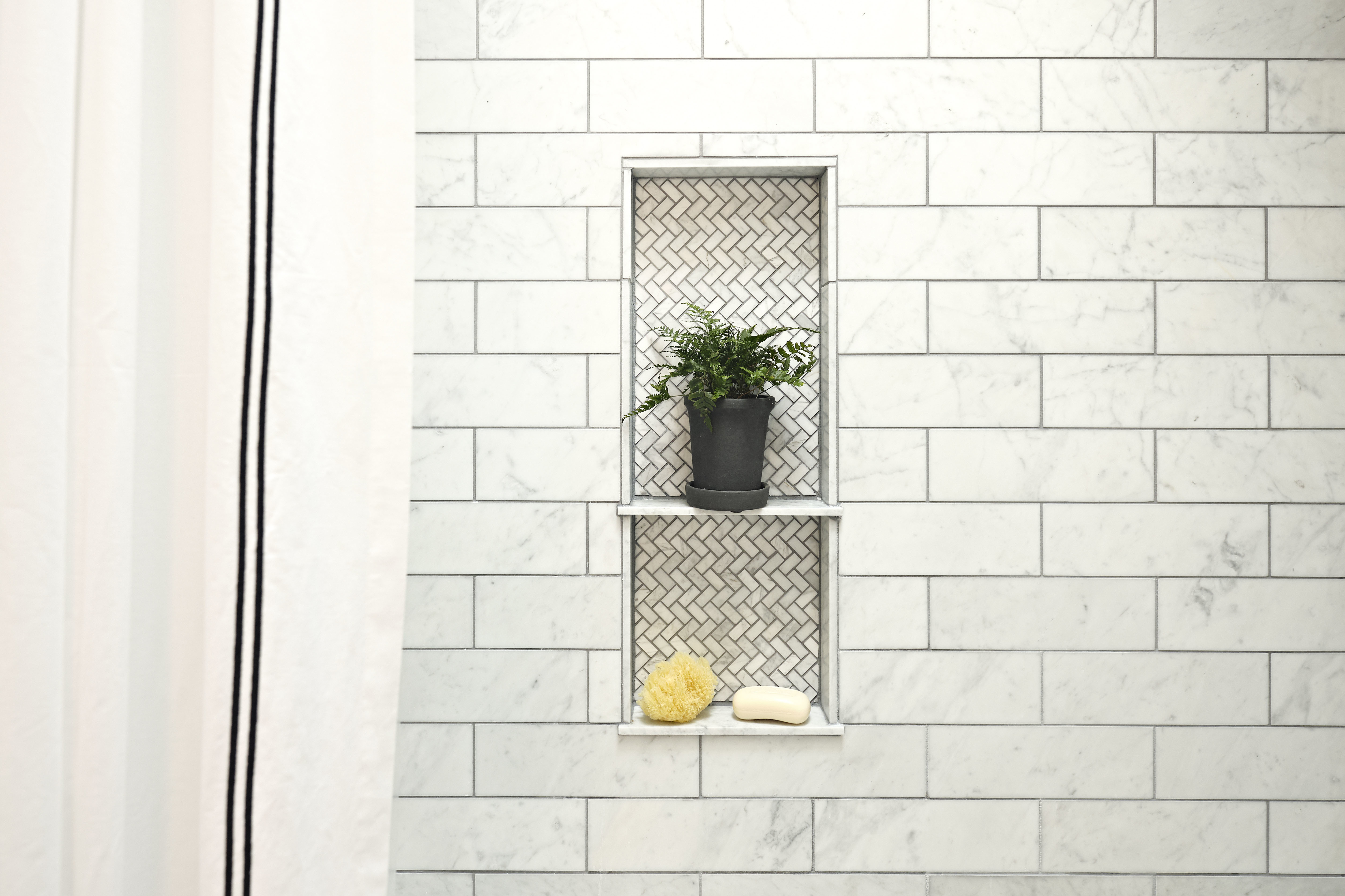 White Tile Tub Plant Blog Thmb