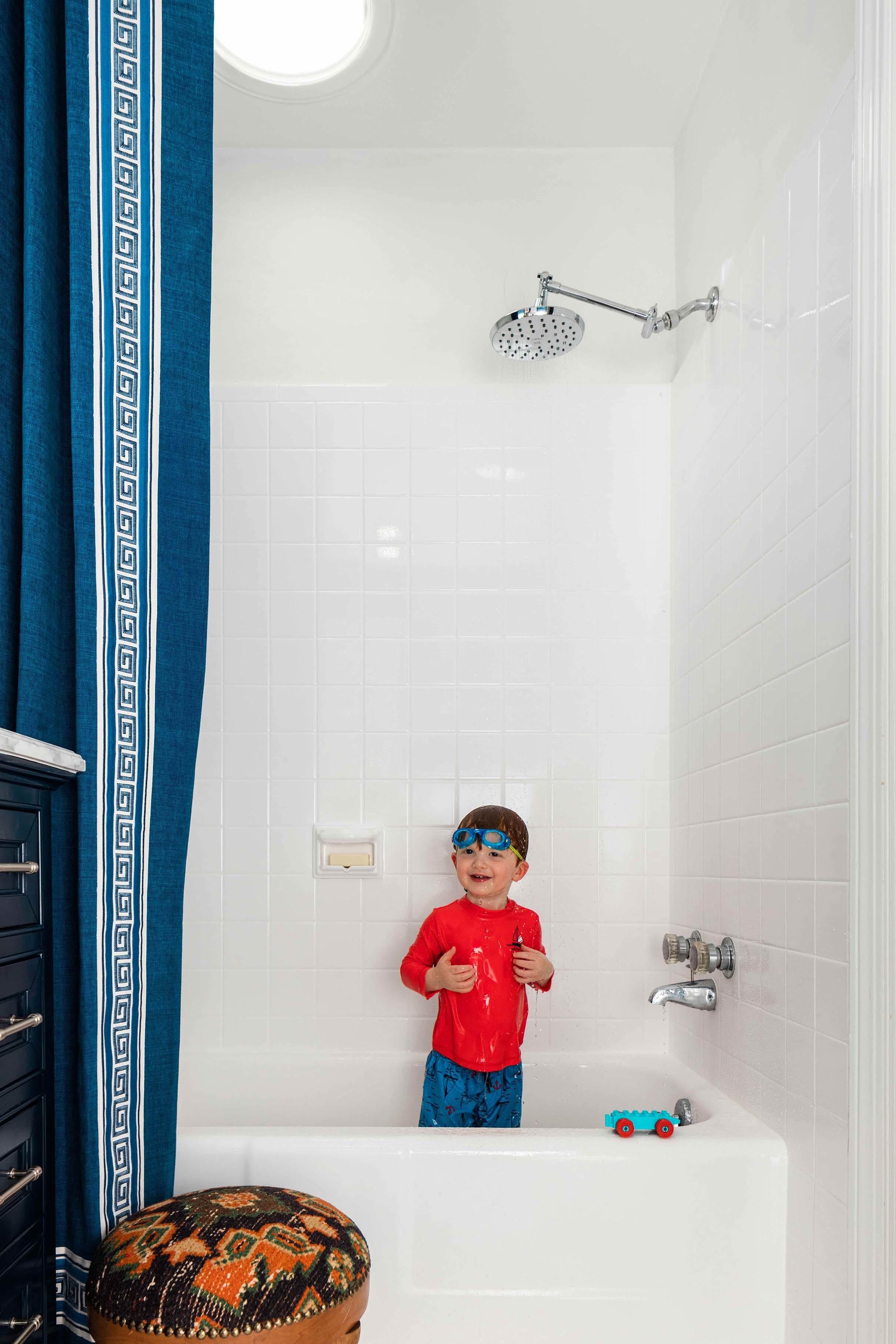 Child playing bathtub