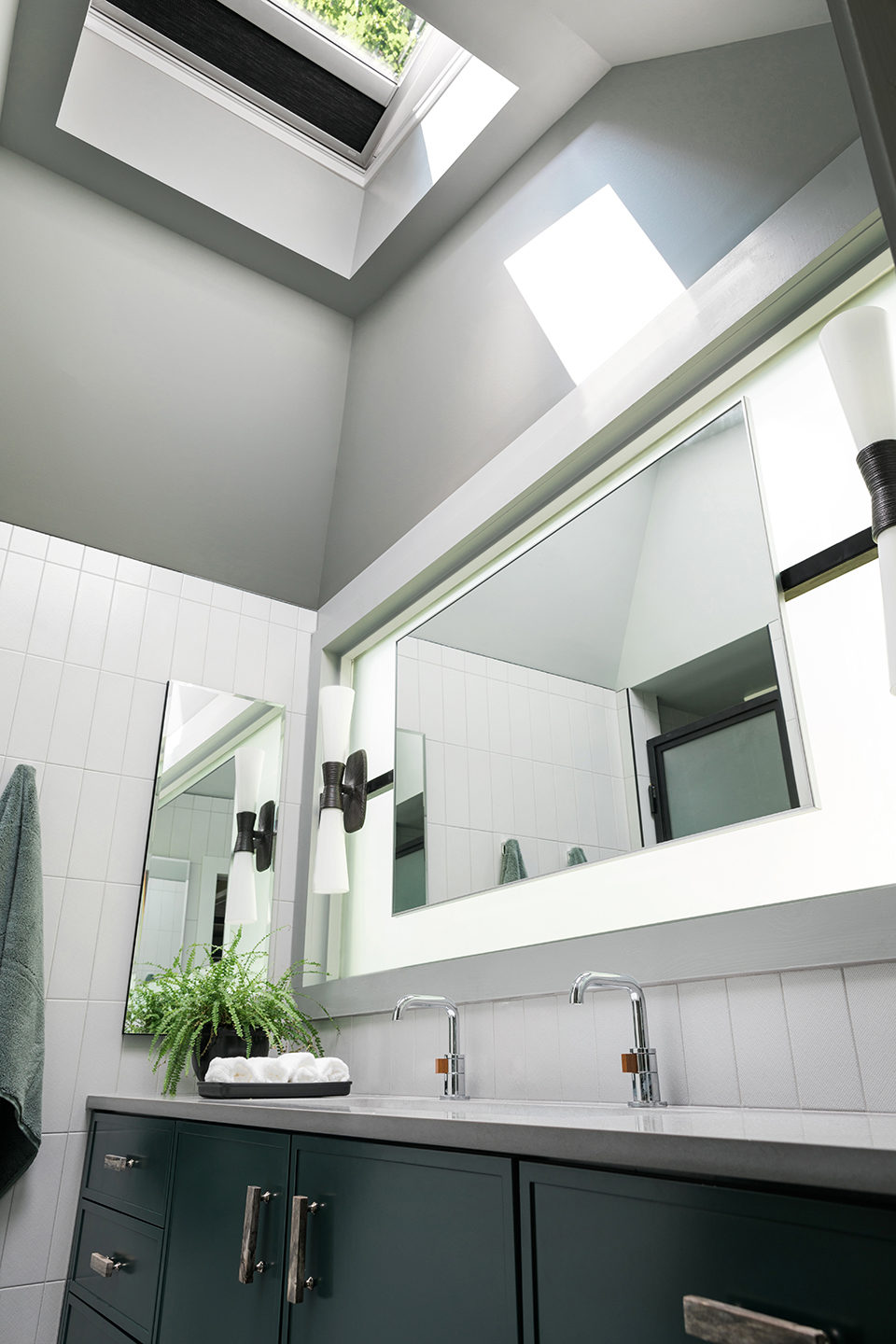 Grey tone bathroom
