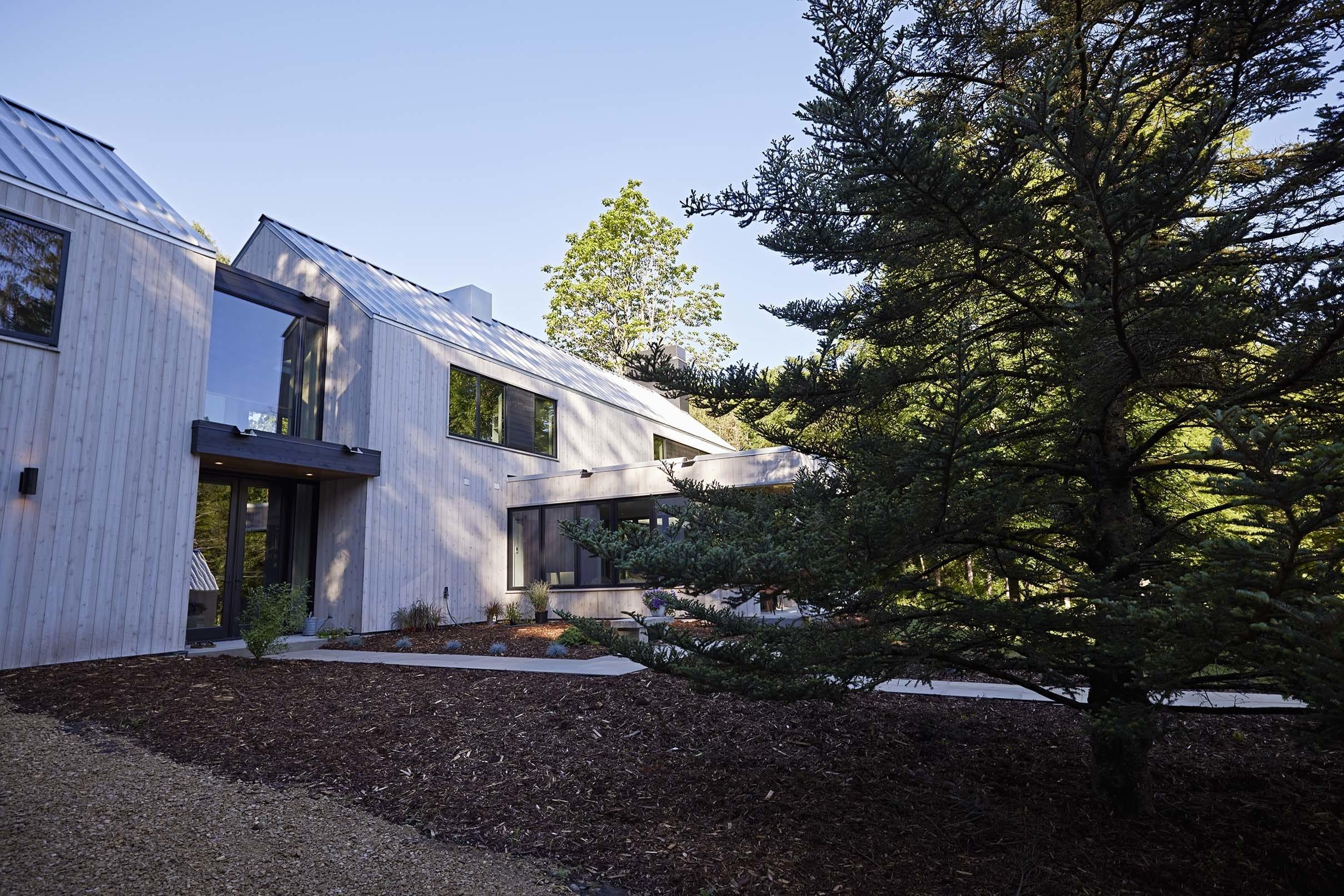 Modern barnhouse exterior