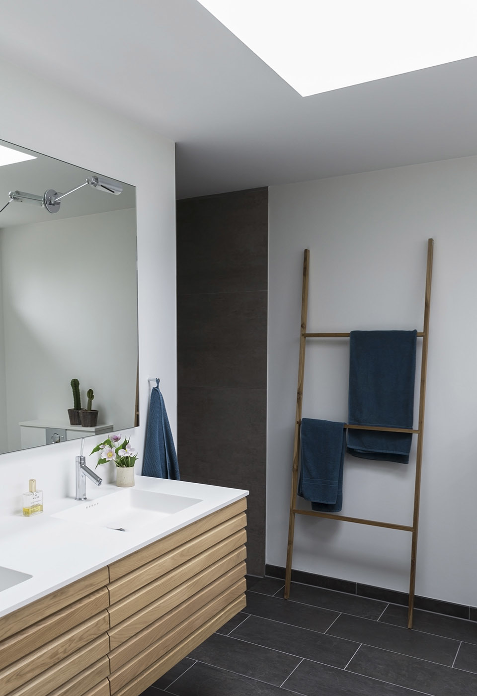 Grey-slate-tile-bathroom-feature.jpg#asset:2668