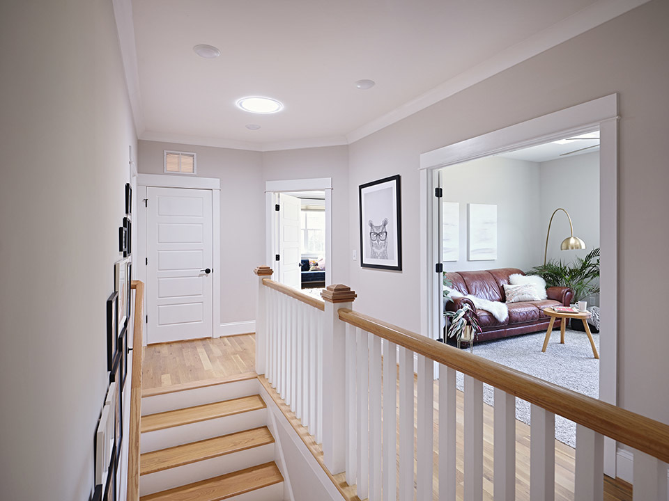 Hallway_bonus-room_feat.jpg#asset:4348