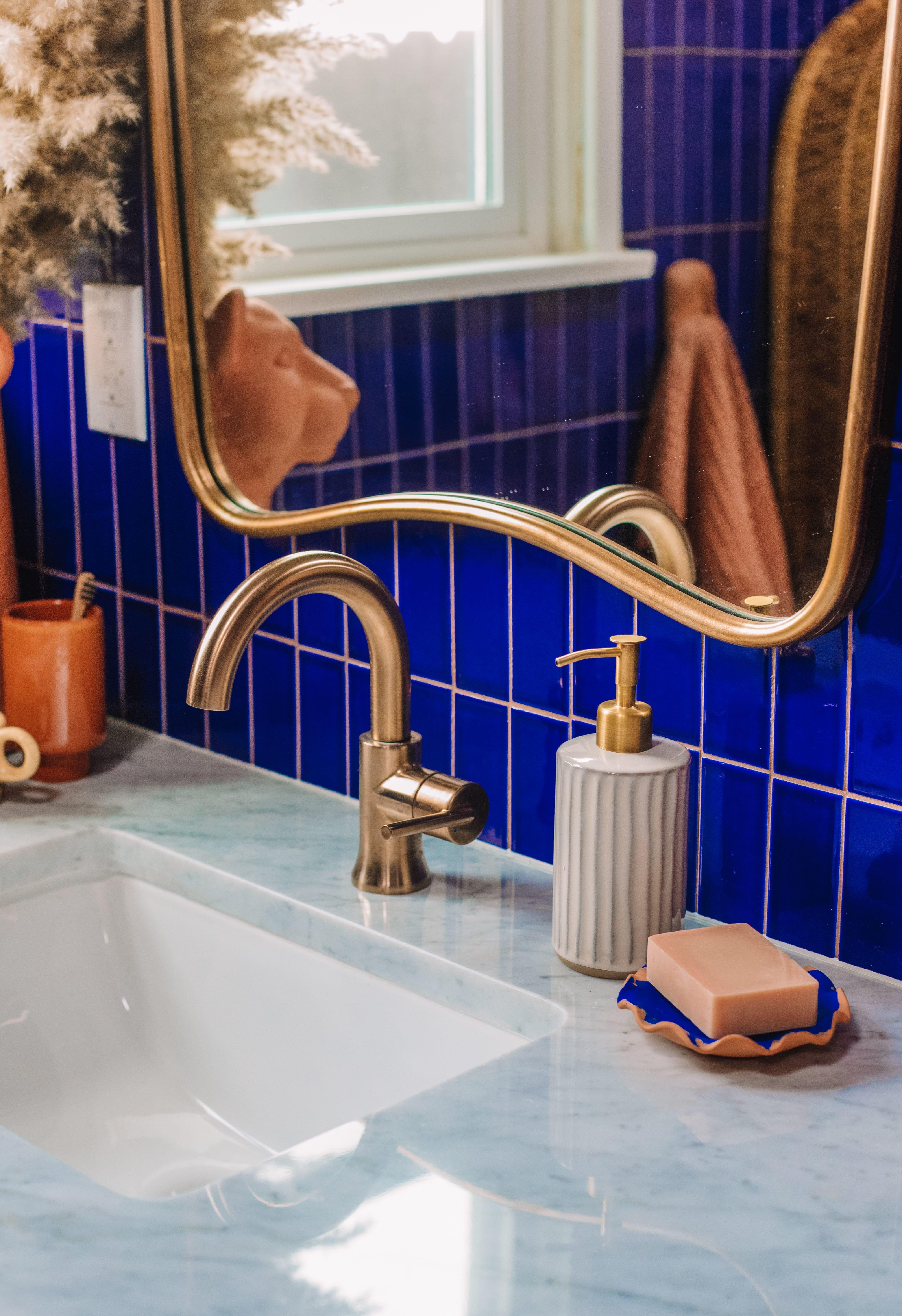 Mirror_vanity-faucetfeat.jpg#asset:4441