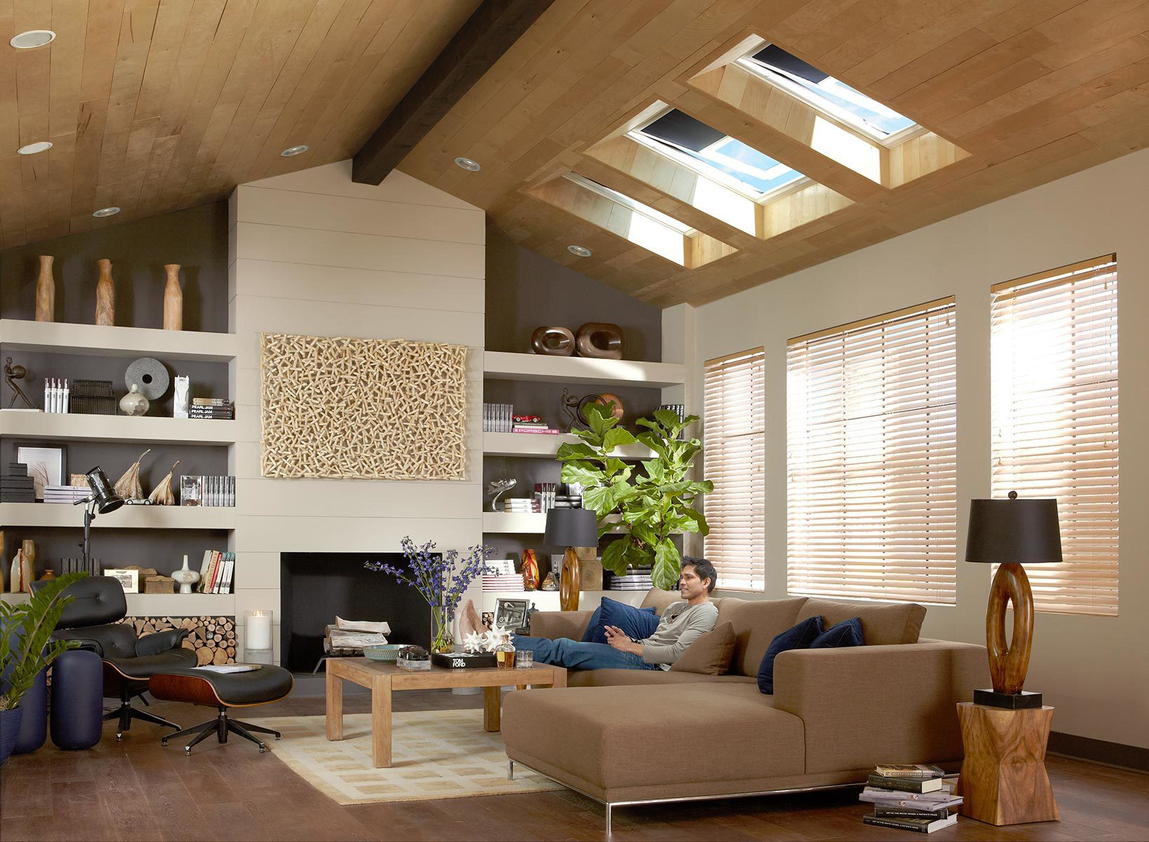 Products Electric Fresh Air Skylights Hero 3