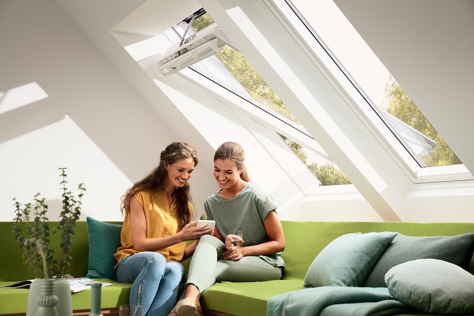 Products Center Pivot Roof Windows Hero 2