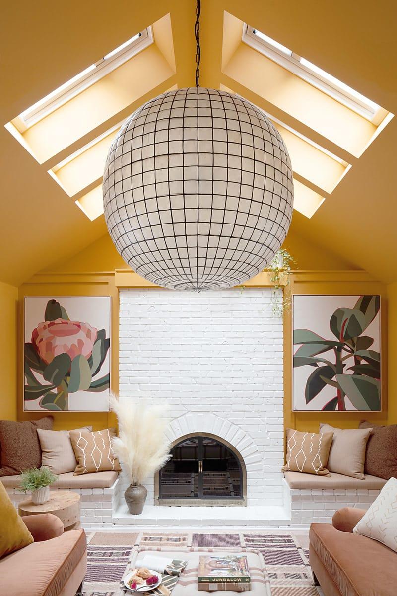 Uo21 living room velux 1 V0 A1517 800x1200