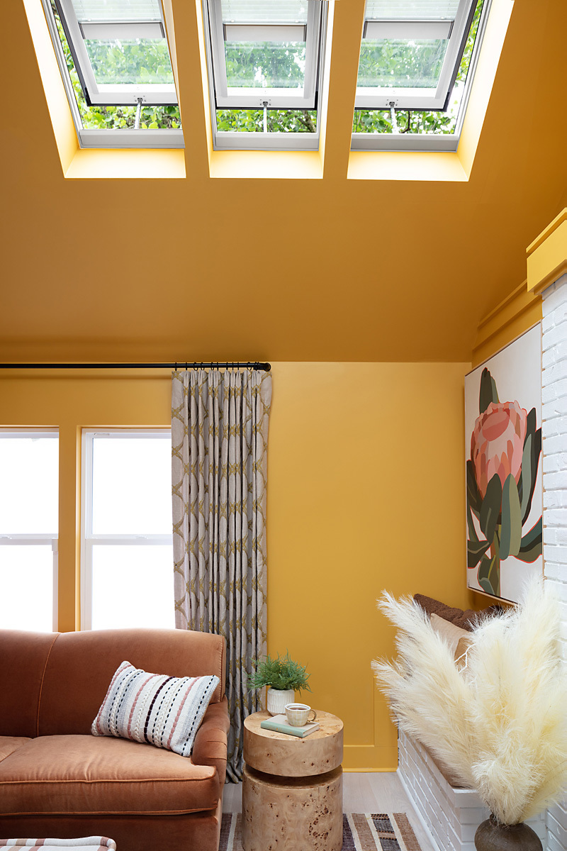 Uo21 living room velux 1 V0 A1711 800x1200